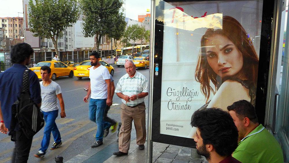 JO_BRUNNER_ISTANBUL_AP_003